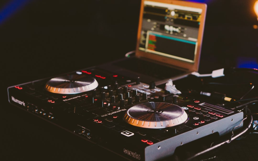Questions to Ask Your Wedding DJ Before Booking Them