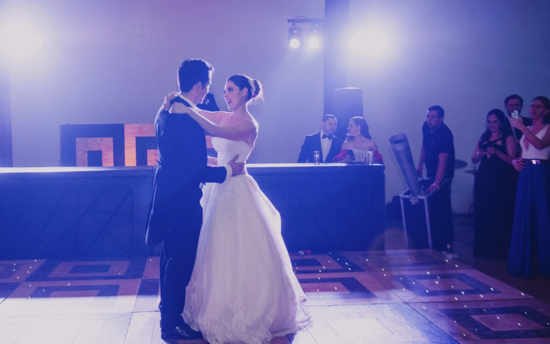 Avoid These Mistakes When It Comes to Your First Dance